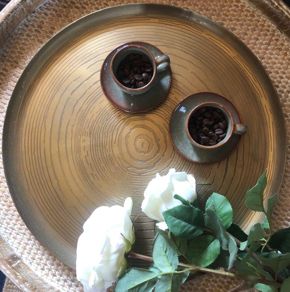 mato tray small size with cups of coffee beans