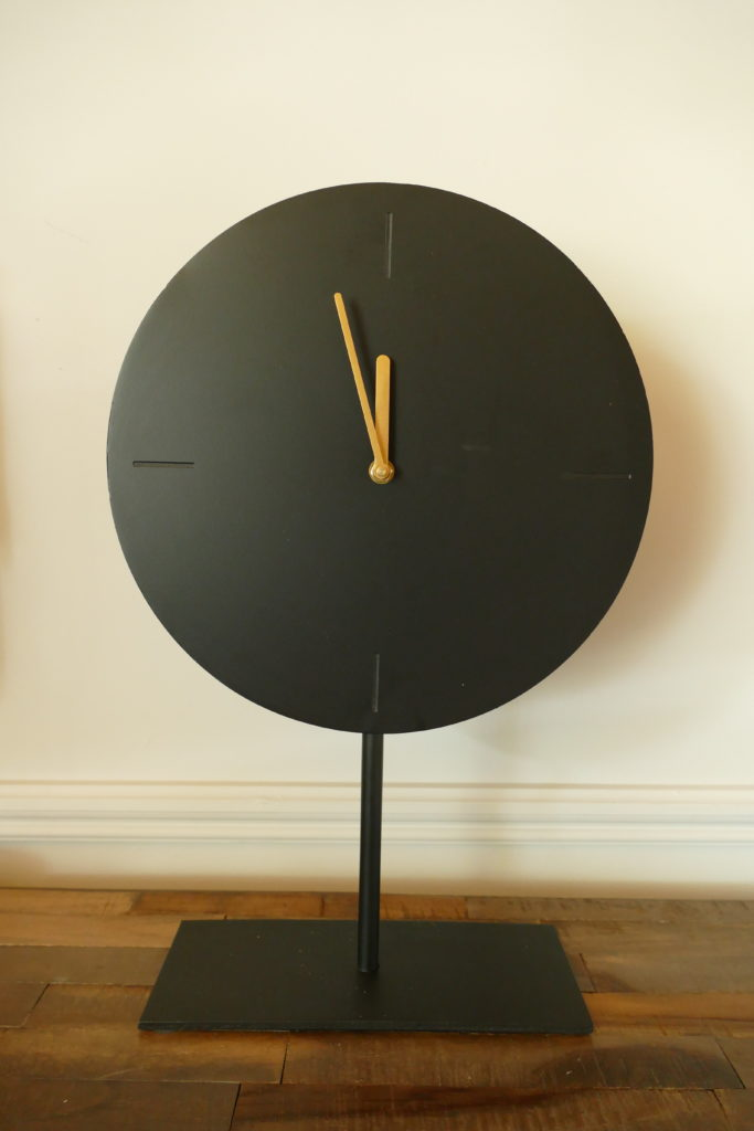 waiwo matt black clock