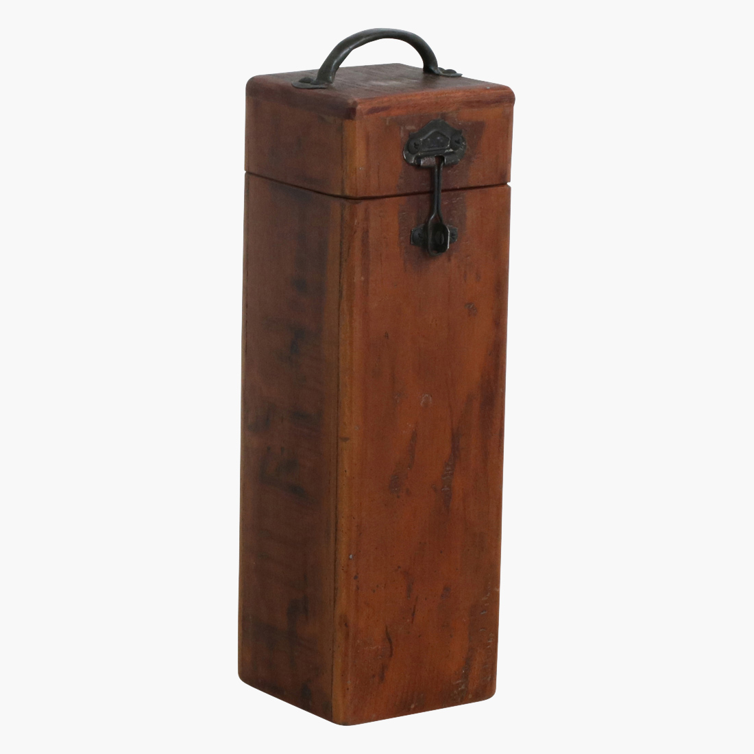 closed single wooden wine box