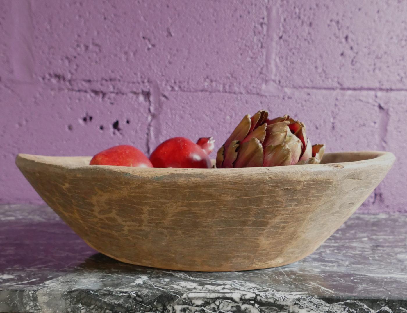 canoe fruit bowl on shelf