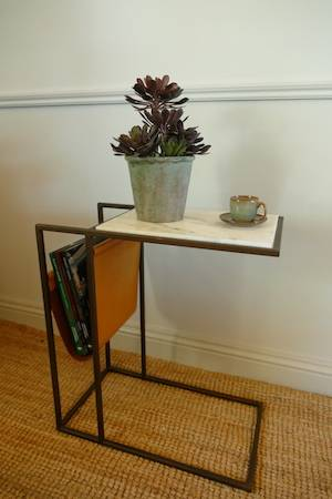 ARLO SIDE TABLE WITH PLANT