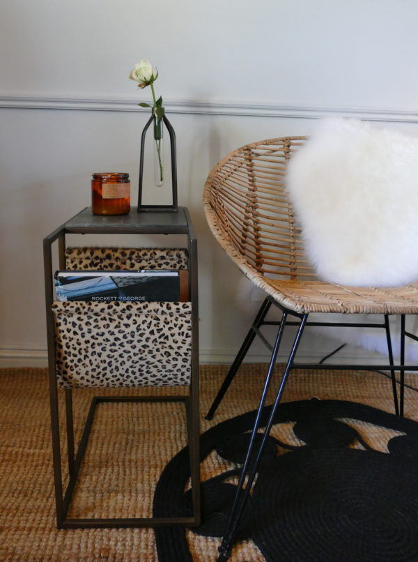 LOLA SIDE TABLE WITH BUCKET CHAIR
