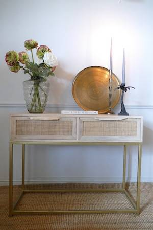 SAFARI CONSOLE TABLE WITH CANDLES AND TRAY