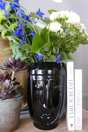 abstract face vase black