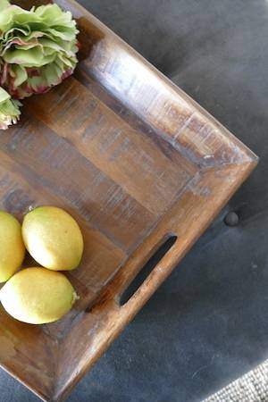 RECYCLED WOOD SERVING TRAY WITH LEMONS