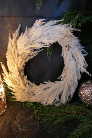 Beige Flock Pampas Wreath